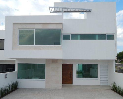 hermosa residencia, lomas de juriquilla, jardín, terraza, estudio o 4ta rec pb