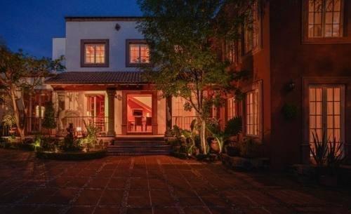 hermosa residencia para una familia grade, excelente también