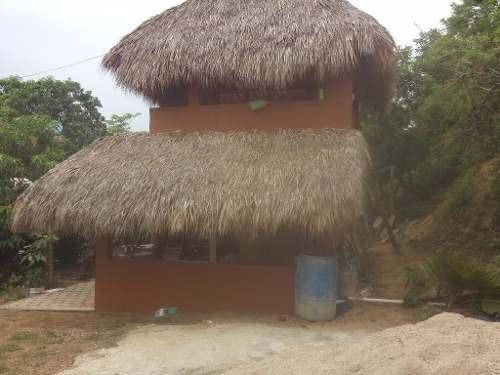 hermosa villa con 6 estudios y una cabaña en zipolite