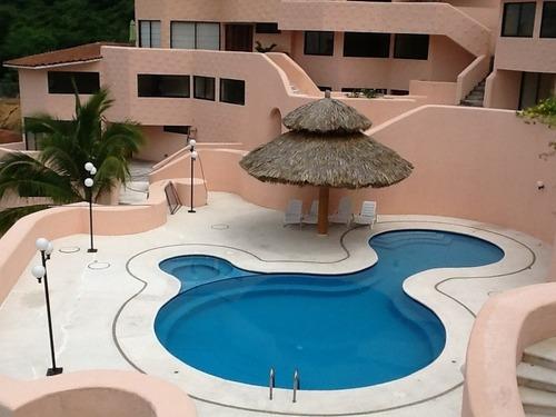 hermosa villa en acapulco a  lado de club de golf, costera de acapulco.