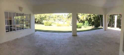 hermosa villa en cocotal golf club & country club