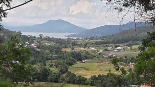 hermosa vista al lago en pipioltepec