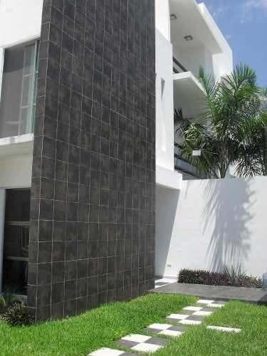 hermosa y amplia casa en venta en cancún.