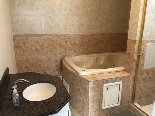 hermosa y amplia casa en venta, fracc. hacienda agua caliente