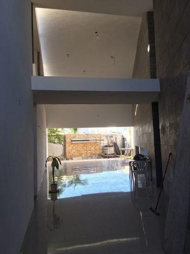 hermosa y exclusiva residencia ubicada en el norte de mérida. a unas cuadras de la famosa glorieta  el pocito . con acabados de lujo. la casa actualmente se encuentra a un 80% de su construcción, est