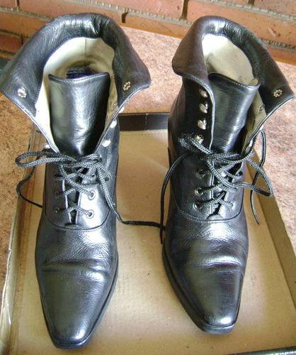 hermosas botas de cuero color negro c/cordon  numero 35