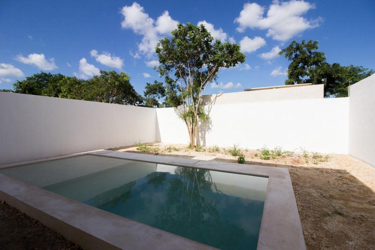 hermosas casas en privada ebano conkal