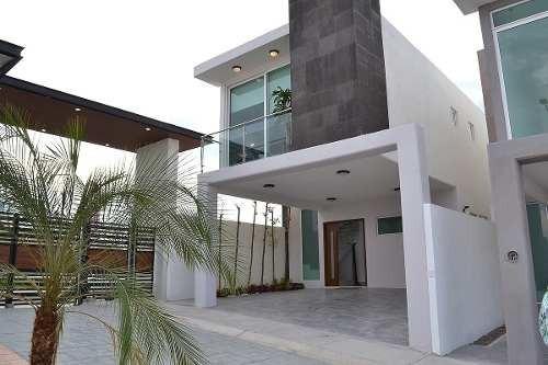 hermosas casas en venta en juriquilla san isidro