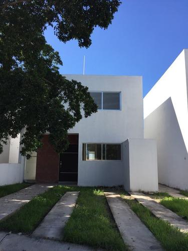 hermosas casas nuevas cerca de fco. de montejo