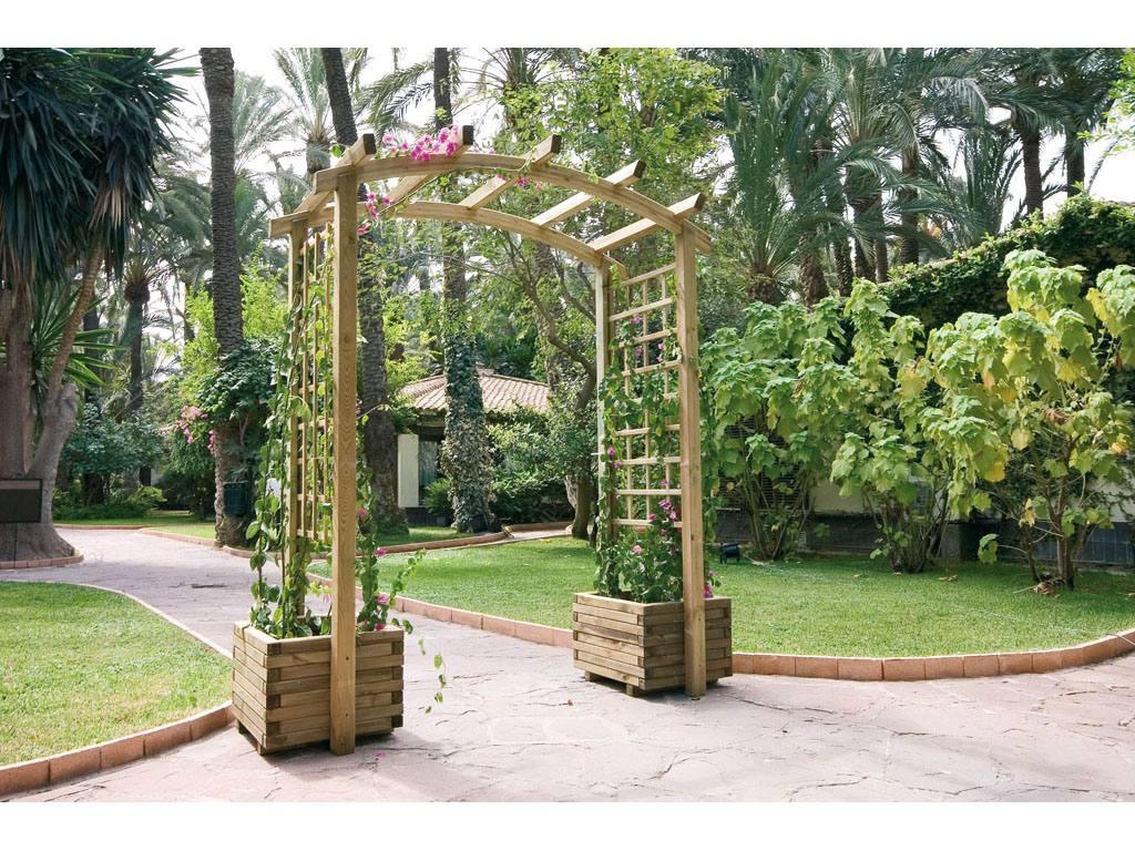 Hermosas jardineras de madera con respaldo enrejado - Jardinera de madera ...