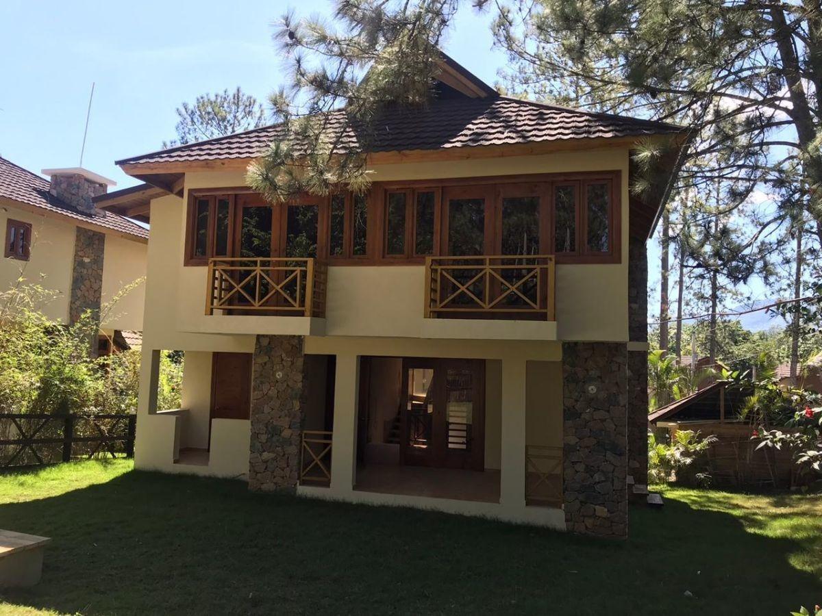 hermosas villas rodeadas de pinos en jarabacoa