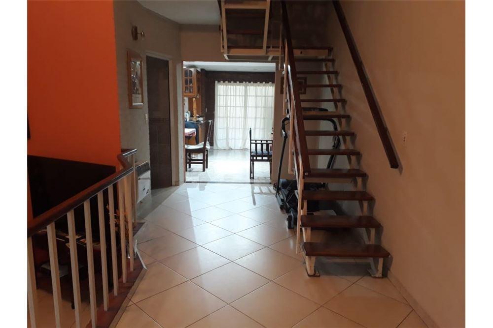 hermosisimo duplex estilo casa!!! impecable!!!