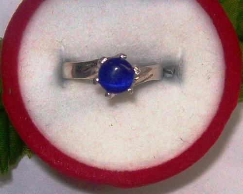 hermoso anillo  cabujón sintético azul plata ley 9,25