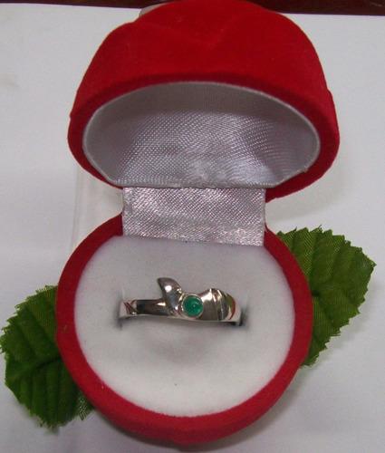 hermoso anillo con esmeralda plata ley 9,50