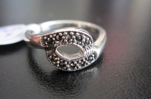 hermoso anillo de plata c/ marquesitas ( marcasita )