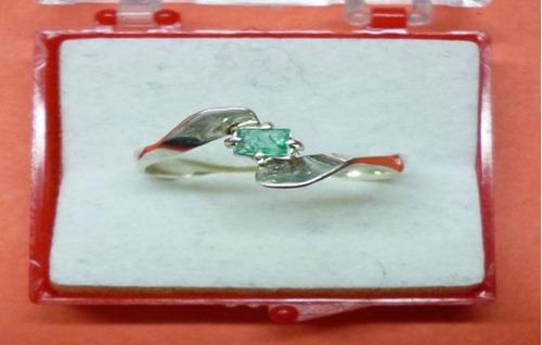 hermoso anillo solitario esmeralda plata ley 9,50