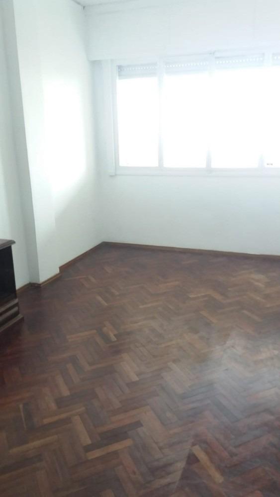 hermoso apartamento 1 dormitorio sobre rambla,con garage