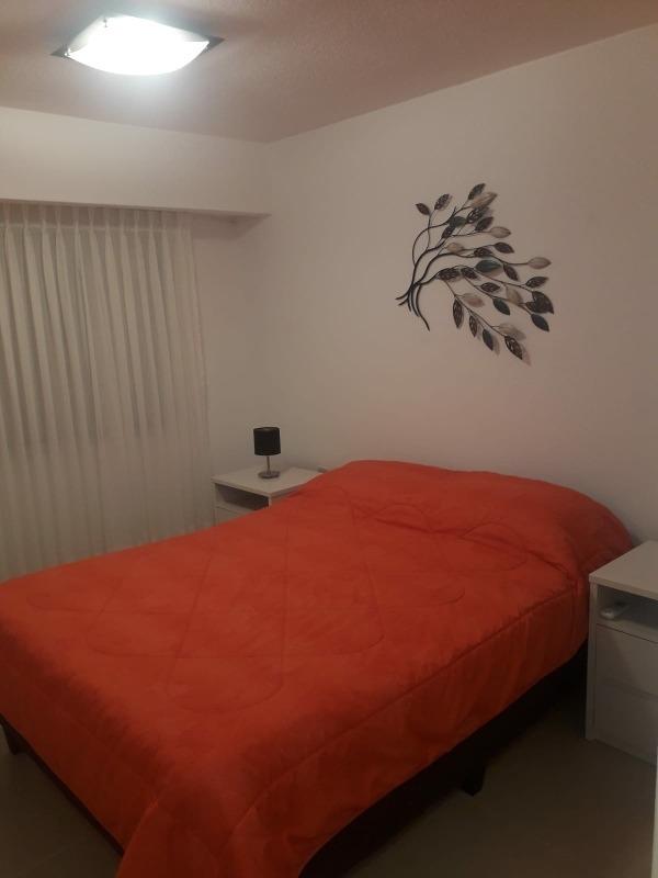 hermoso apartamento 2 dormitorios 2 baños parrilla y piscina