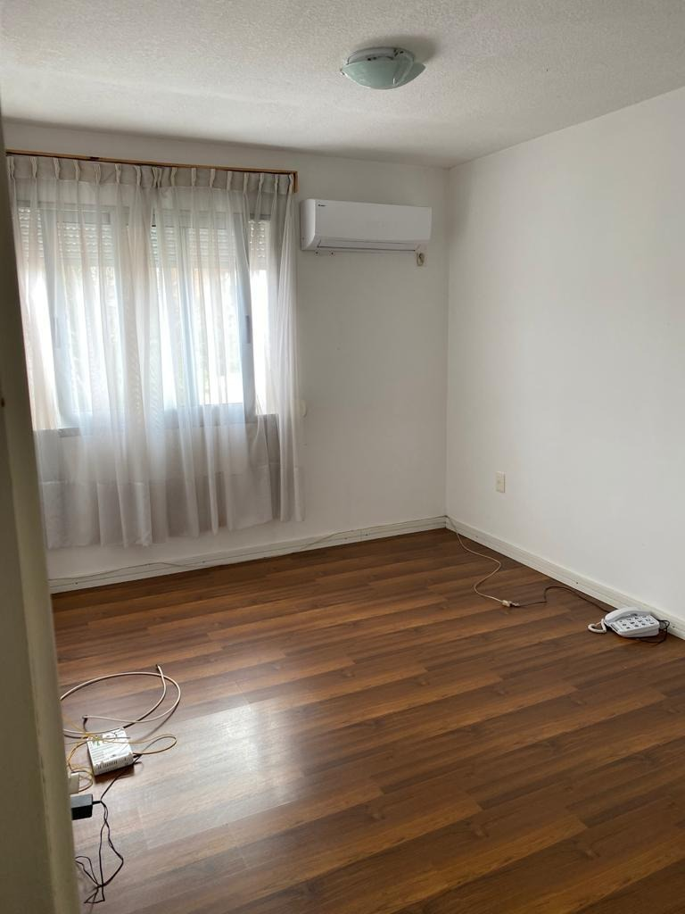 hermoso apartamento a cuadras de la rambla