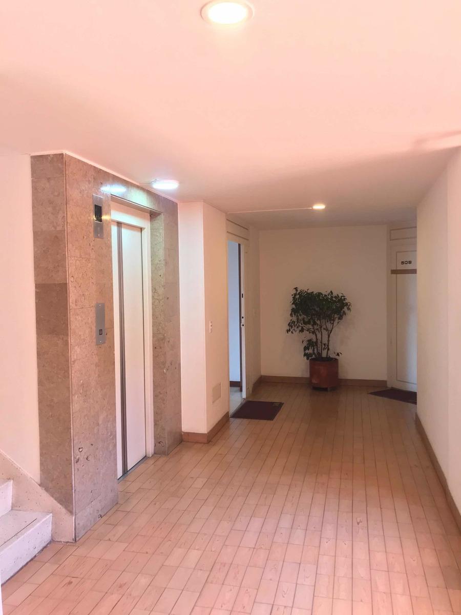 hermoso apartamento en excelente estado,piso laminado, plan