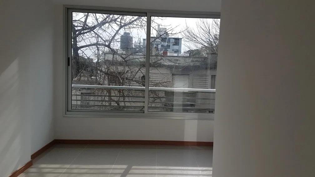 hermoso apto 1 dormitorio a estrenar,balcón, tres cruces!