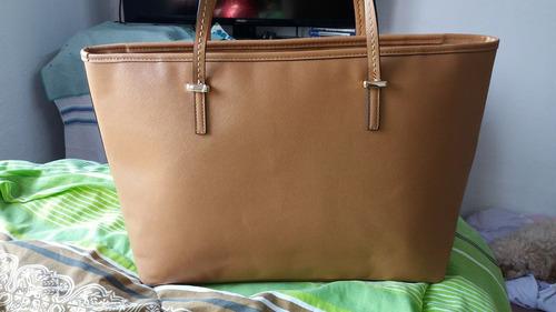 hermoso bolso camel clasica