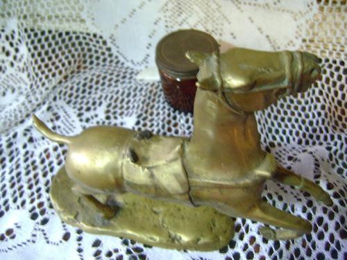 hermoso caballo en bronce masizo