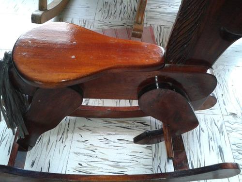 hermoso caballo mecedora o mecedor de madera hecho a mano