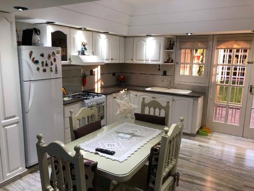 hermoso chalet 4 ambientes con quincho y pileta monte grande