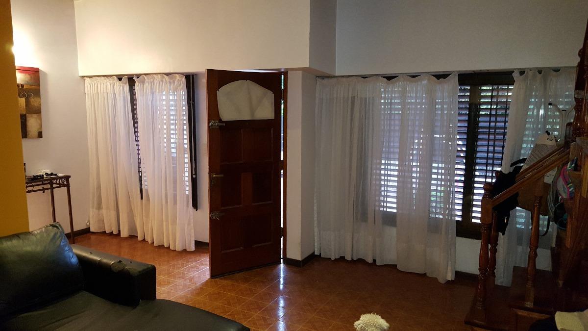 hermoso chalet con 4 dormitorios en monte grande