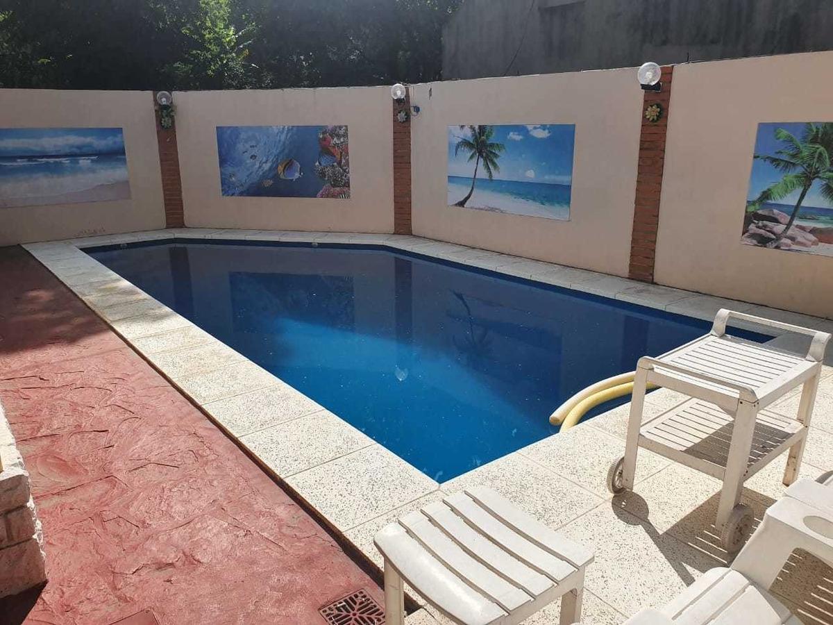 hermoso chalet de 6 amb con piscina, parrilla y jardin
