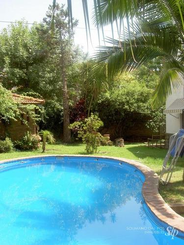 hermoso chalet de terreno 533 mts  amplio parque con piscina.