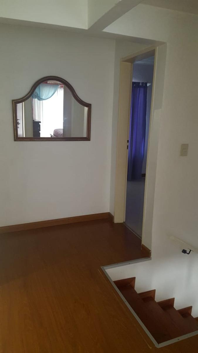 hermoso chalet en esquina con 3 dormitorios y amplio lote
