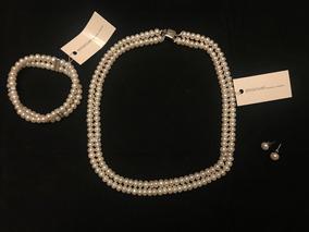 0193927df62a Hermoso Collar De Perlas Con Pulsera Y Aretes Emanuel Ungaro
