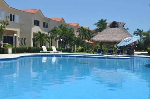 hermoso condo amueblado con vista a la laguna en renta cancún c2055