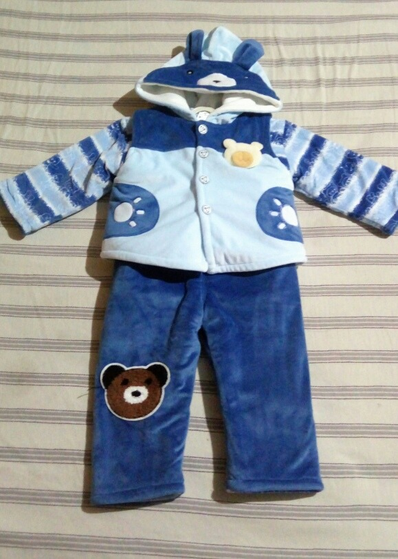 679e77c7f hermoso conjunto de abrigo para (bebe) niño 3 piezas. Cargando zoom.