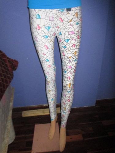 hermoso conjunto pantalon leggis estampado con hermoso polo