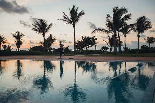 hermoso departamento de 2 recamaras con vista al mar en playa del carmen