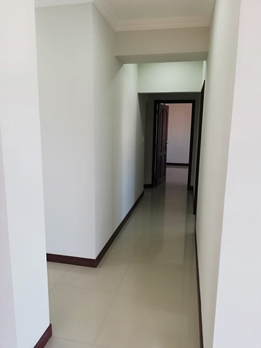 hermoso departamento en alquiler de 4 dormitorios z/centro