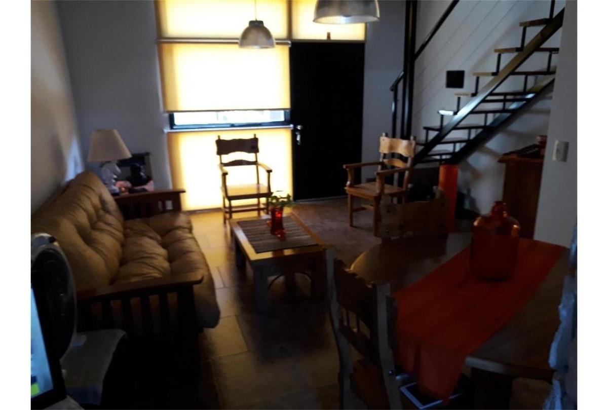 hermoso depto. 3 ambientes tipo duplex.