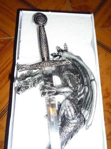 hermoso dragon medieval con espada de lujo unico en ml