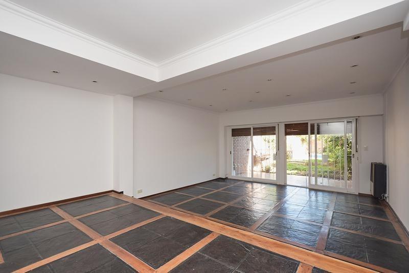 hermoso duplex 3 plantas 5 mts de frente  z/unicenter