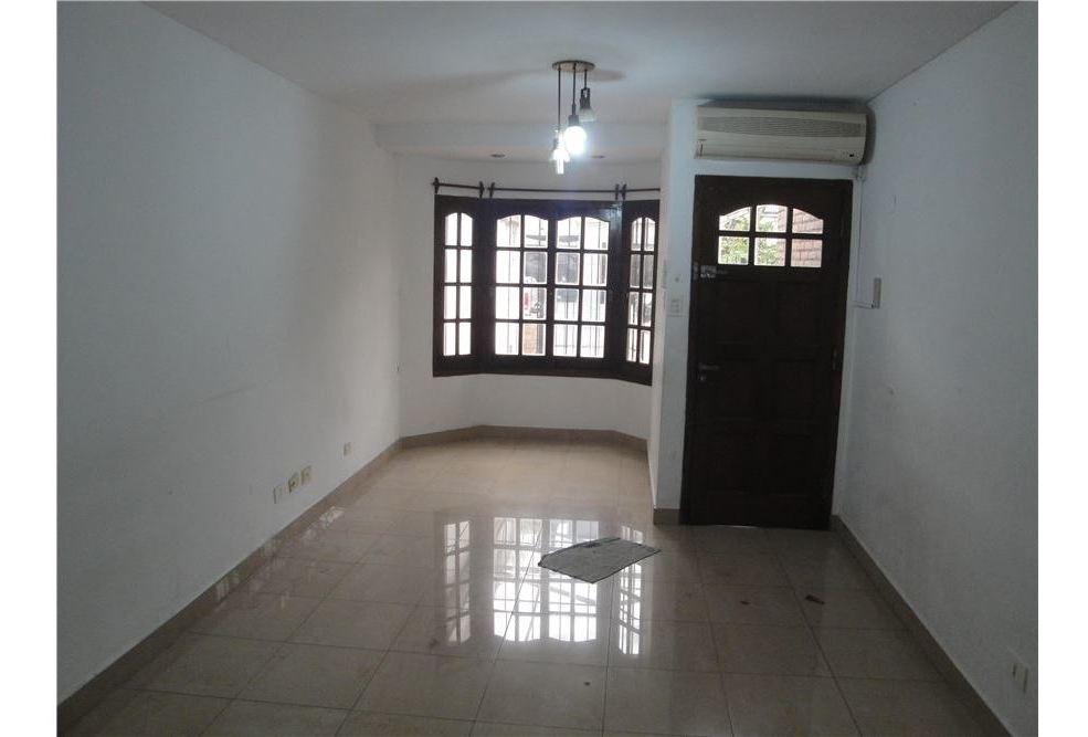 hermoso duplex 4 ambientes c/gge y patio c/parrill