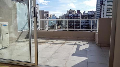 hermoso dúplex con gran balcón y terraza, apto profesional.