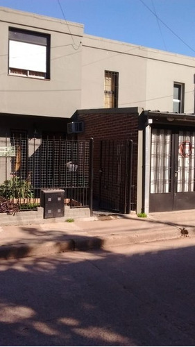 hermoso duplex en muy buena zona. barrio viplastic
