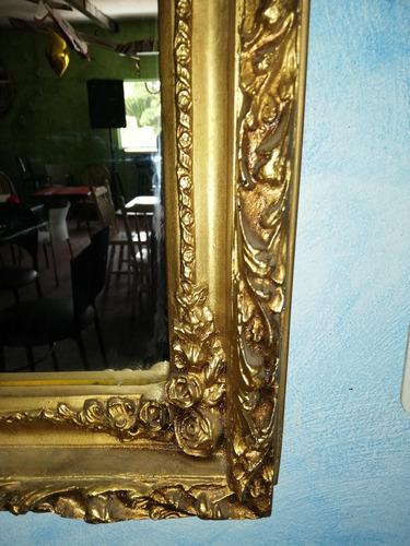hermoso espejo.