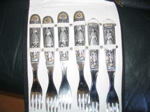 hermoso estuche con cuchilleria tallada argentino