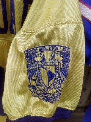 Hermoso Jersey De Los Pumas Dorados De La Unam Envio Gratis ... ca1857d5191