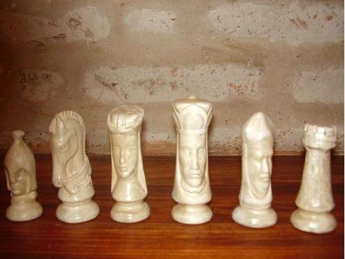 hermoso juego de ajedrez artesanal
