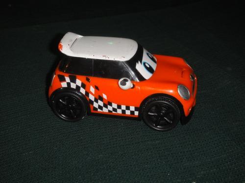 hermoso mini cooper de juguete con traccion, usado